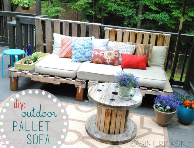 #DIY: Outdoor Pallet Sofa