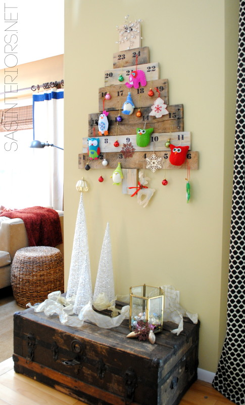 Christmas Countdown Calendar using pallets and scraps of leftover wood.  Created by @Jenna_Burger, WWW.JENNABURGER.COM