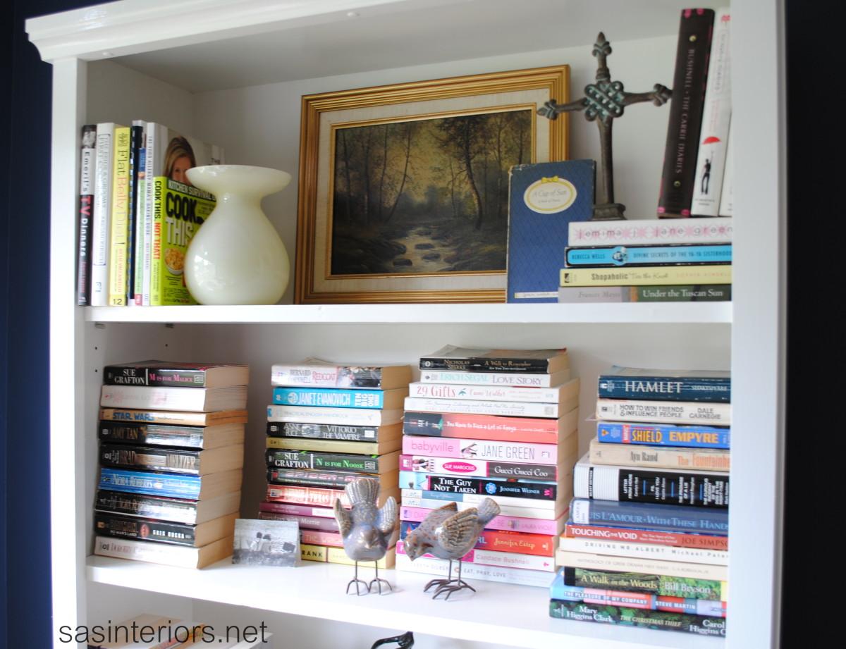 Как расставить книги на полке красиво