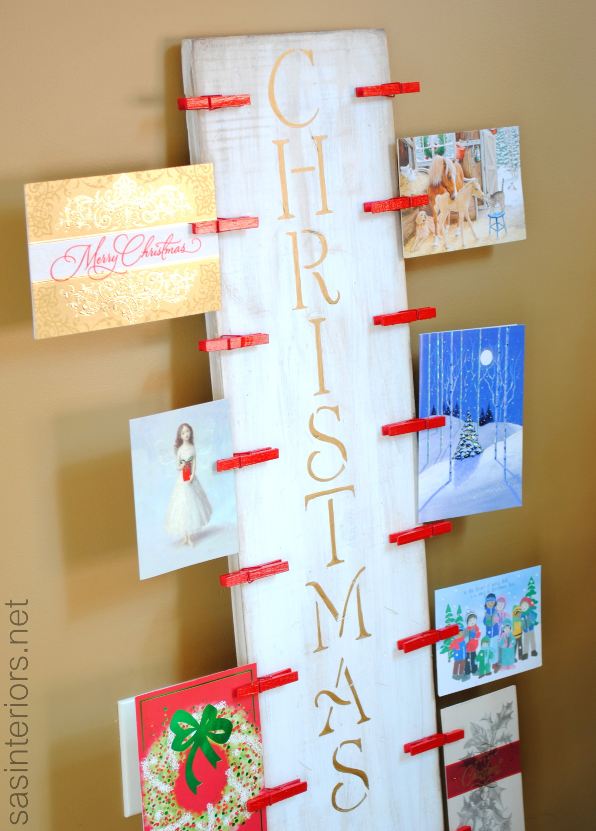 christmas card holder a lowes creative idea lowescreator jenna burger. Black Bedroom Furniture Sets. Home Design Ideas