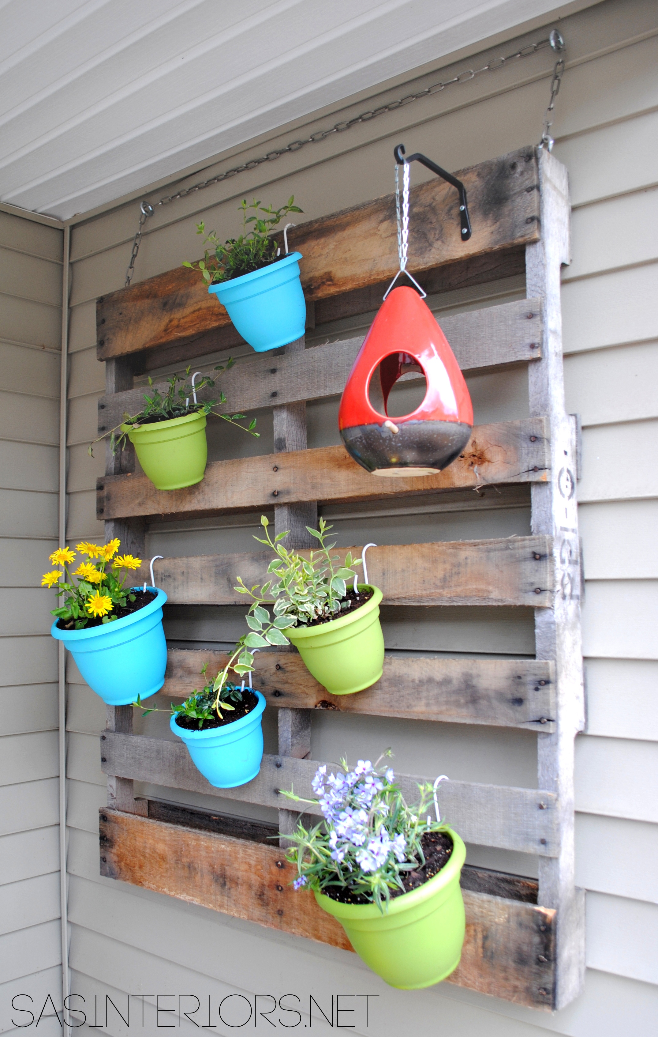 DIY: Vertical Pallet Garden - Jenna Burger