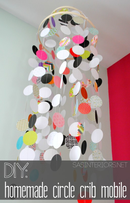 DIY: Homemade / Handmade Circle Crib Mobile: a beautiful & inexpensive way to crib a focal point for your baby! Check out this easy-to-follow tutorial