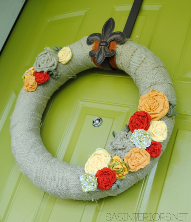Fall wreath with burlap and fabric flowers {tutorial}