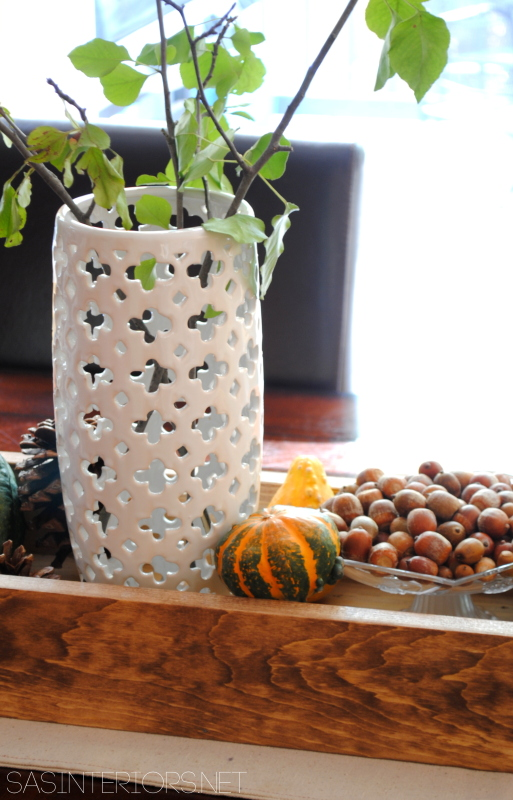 Fall Tablescape (perfect for Thanksgiving too) filled with ghords, pinecones, mums, and seasonal favorites! All in an easy-to-make handmade wood box. You'll want to make this TODAY!