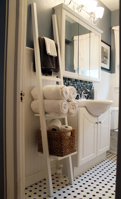 15 + Organizational Ideas for the BATHROOM: Tips + Tricks to help organize every nook & cranny of the bathroom!