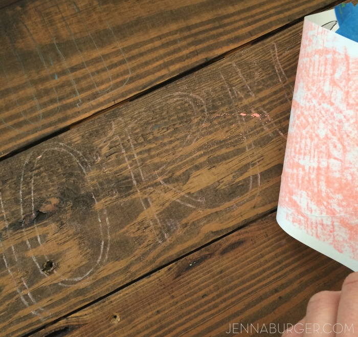 DIY tutorial: HAND PAINTED SIGN using CHALK to transfer design onto wood.   An easy + inexpensive technique to transfer letters or a custom design.  Easy-to-follow step by step by @Jenna_Burger, www.jennaburger.com