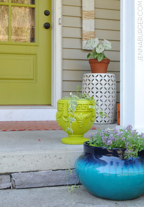 Before and After planter - $1 garage sale find transformed with Green Citrus spray paint