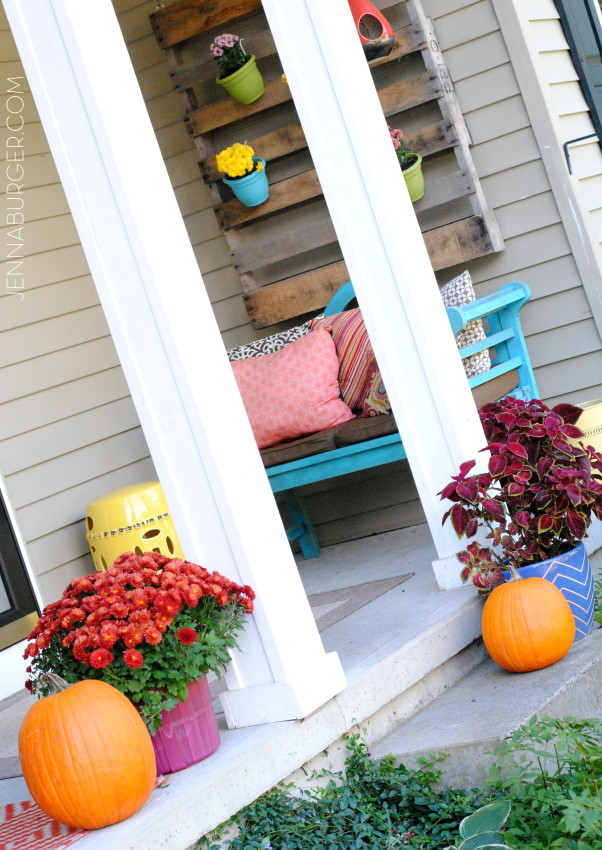 Fall Porch. More Decorating ideas for the Home using Fall Favorites.