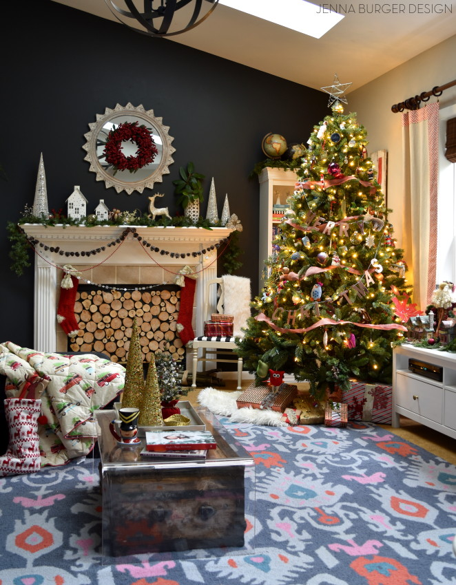 Christmas Home Tour at JennaBurger.com. Come on over...