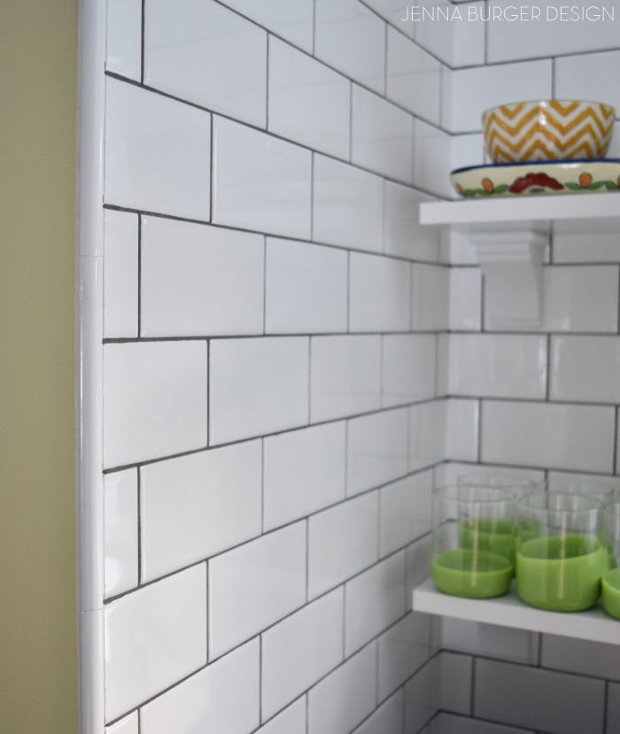 SUBWAY TILE: How do you choose the right subway tile for the project? There are MANY subway tile styles + colors. Here are useful tips that will help the process of choosing the right subway tile for the project. Plus check out the before and after of the tile installation of this kitchen remodel. www.JennaBurger.com