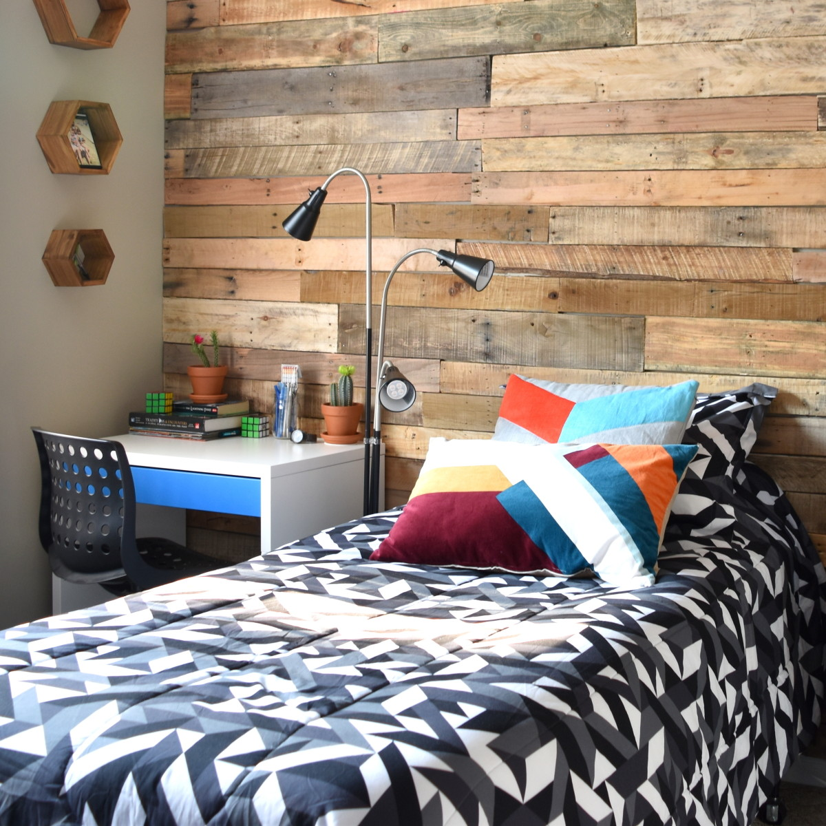Modern, Rustic Teen Room + DIY Pallet Wall Tutorial