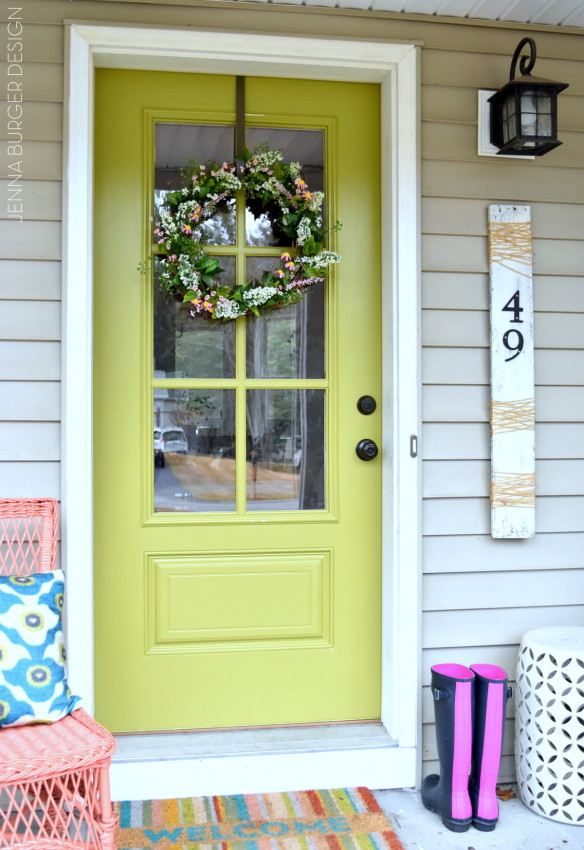 SPRING WREATH: A simple + easy 10-minute creation to adorn the front door. It couldn't be easier to make and a lot less expensive than buying. Easy-to-follow tutorial @ www.JennaBurger.com